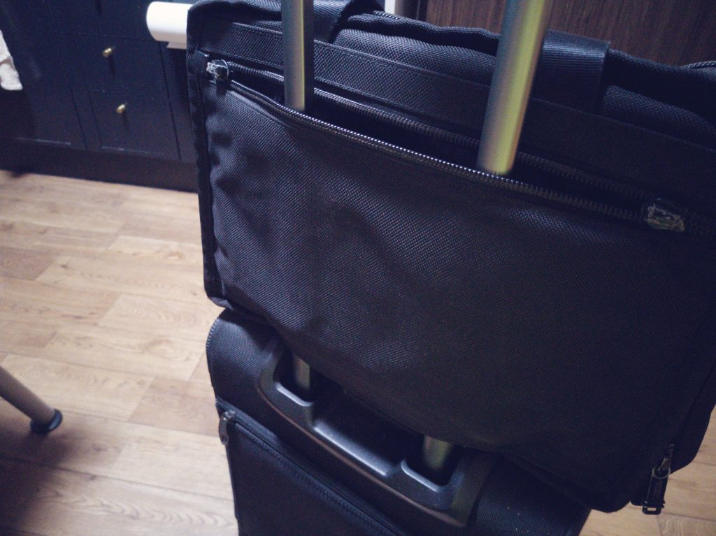 TUMI ALPHA BUSINESS 26141DHとスーツケースの合体