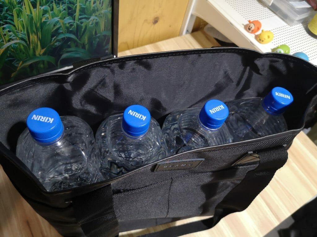 MonoMax 2020年6月号の特別付録BEAMSトートバッグには2リットルのペットボトルが4本入る